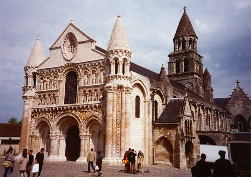 [Image: poitiers-cathedral.jpg]